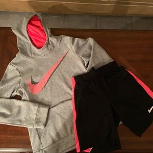 Girls Nike sweatshirt hoodie and shorts